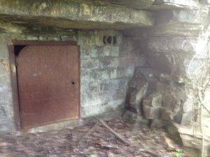 from http://thaxz.deviantart.com/art/Prison-Cave-412041322